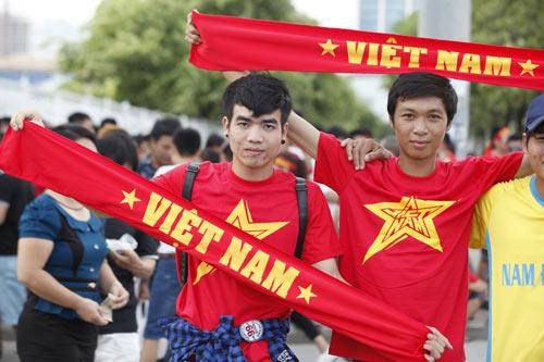 """Người hâm mộ """"tiếp lửa"""" cho U19 Việt Nam - 5"""