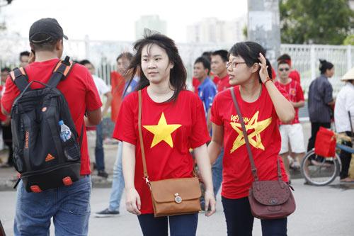 """Người hâm mộ """"tiếp lửa"""" cho U19 Việt Nam - 7"""