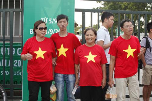 """Người hâm mộ """"tiếp lửa"""" cho U19 Việt Nam - 8"""