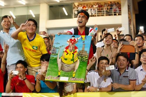 """Hình ảnh đẹp & """"độc"""" sau cơn sốt U19 VN thắng Úc - 14"""