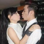Ngôi sao điện ảnh - Quang Hà nhí nhảnh hôn Cát Phượng