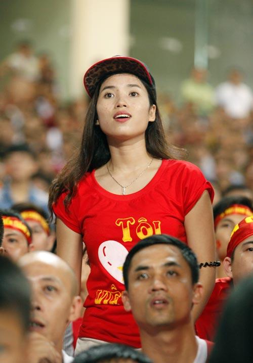 """Bóng hồng xinh đẹp """"tiếp sức"""" U19 Việt Nam - 8"""