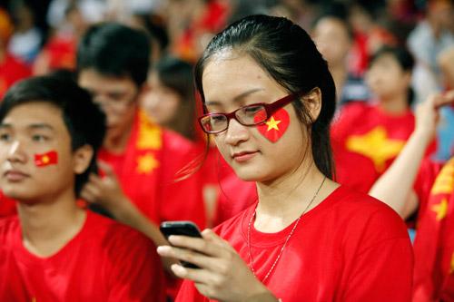 """Bóng hồng xinh đẹp """"tiếp sức"""" U19 Việt Nam - 7"""