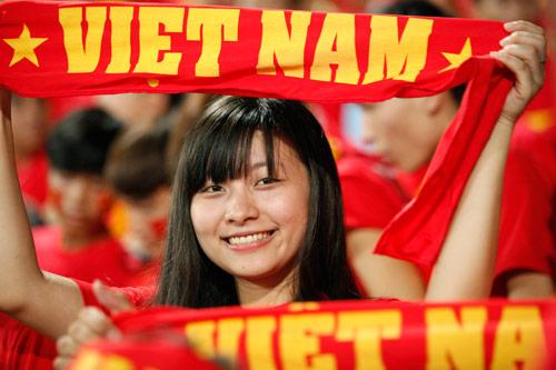"""Bóng hồng xinh đẹp """"tiếp sức"""" U19 Việt Nam - 6"""
