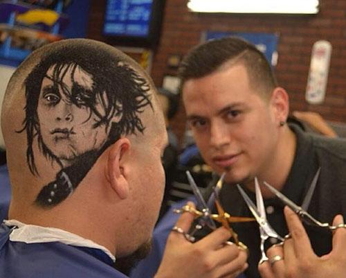Chàng trai có biệt tài cắt tóc đẹp như tranh vẽ - 1