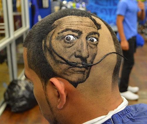 Chàng trai có biệt tài cắt tóc đẹp như tranh vẽ - 2