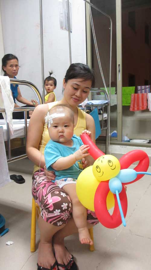 Thương tâm những em bé bệnh máu mong Trung thu đến - 4