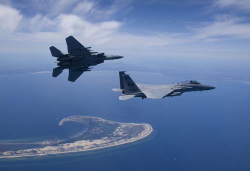 Mỹ: Phi công bất tỉnh, máy bay lao xuống biển - 2