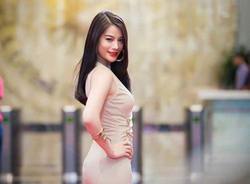 Trương Ngọc Ánh đọ sắc cùng dàn BTV xinh đẹp của VTV - 1