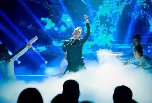 Trương Ngọc Ánh đọ sắc cùng dàn BTV xinh đẹp của VTV - 18