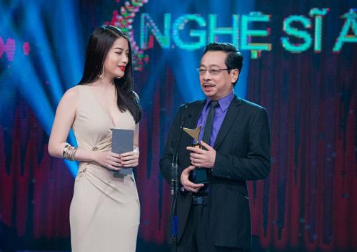 Trương Ngọc Ánh đọ sắc cùng dàn BTV xinh đẹp của VTV - 3