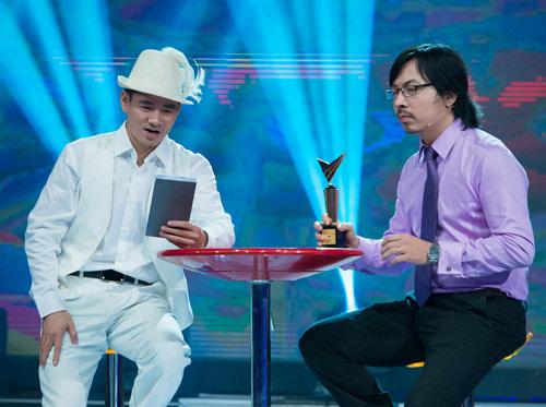Trương Ngọc Ánh đọ sắc cùng dàn BTV xinh đẹp của VTV - 9