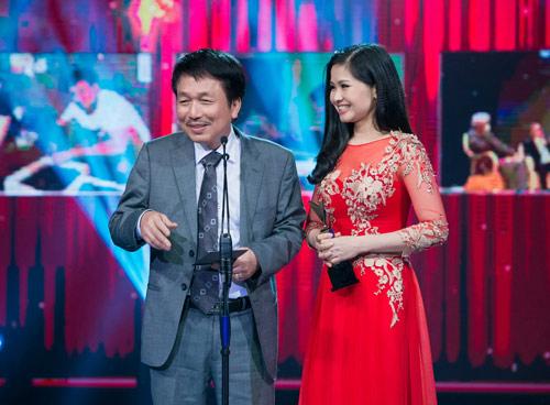 Trương Ngọc Ánh đọ sắc cùng dàn BTV xinh đẹp của VTV - 10
