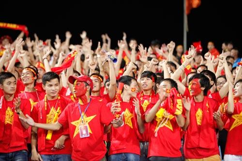 Người hâm mộ bùng nổ cảm xúc với ''Messi Việt Nam'' - 1