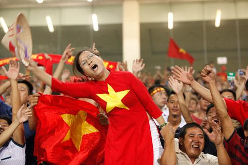 Người hâm mộ bùng nổ cảm xúc với ''Messi Việt Nam'' - 3