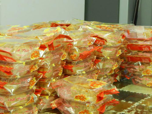 Nữ sinh làm 200 bánh trung thu tặng trẻ nhỏ vùng cao - 8