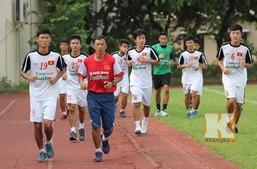 U19 Việt Nam tập dứt điểm để đối đầu U19 Nhật - 1