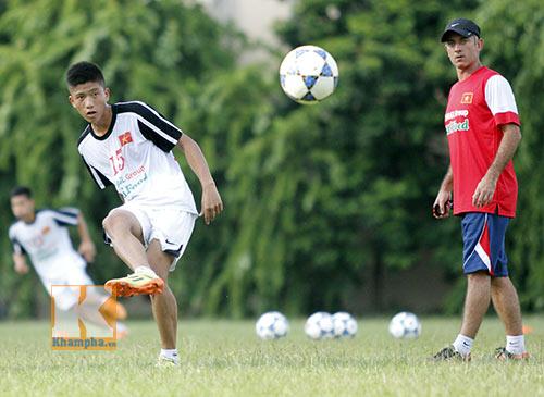 U19 Việt Nam tập dứt điểm để đối đầu U19 Nhật - 5