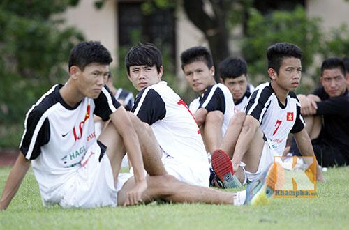 U19 Việt Nam tập dứt điểm để đối đầu U19 Nhật - 8