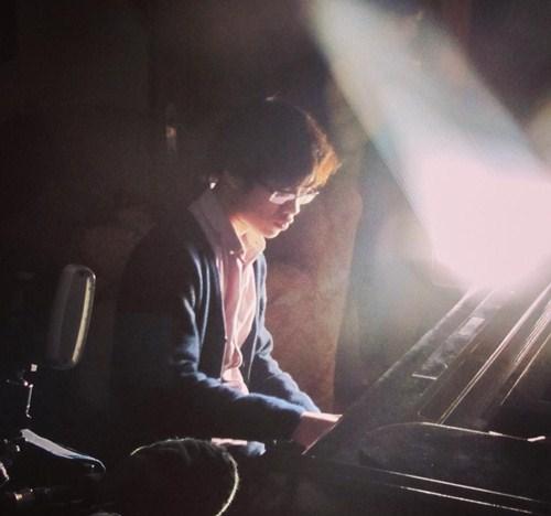 Cậu bé vàng Piano Nguyễn Việt Trung tái ngộ khán giả Việt - 2