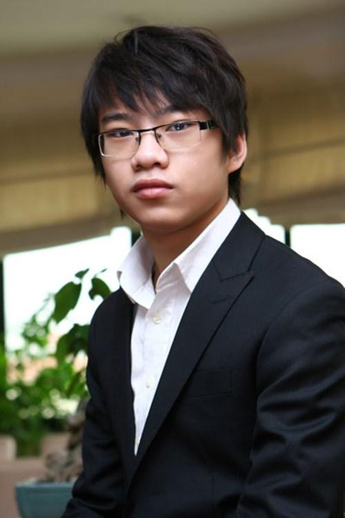 Cậu bé vàng Piano Nguyễn Việt Trung tái ngộ khán giả Việt - 1