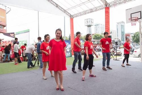 MC Thanh Thảo bầu 8 tháng vẫn chăm đi sự kiện - 3