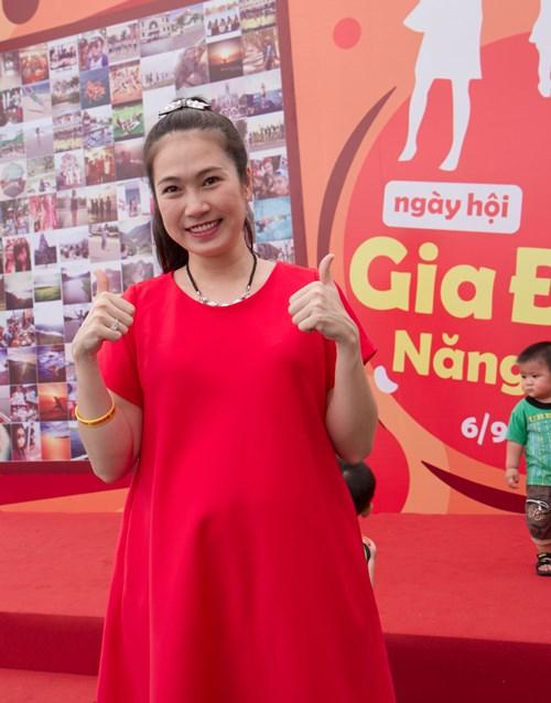 MC Thanh Thảo bầu 8 tháng vẫn chăm đi sự kiện - 2