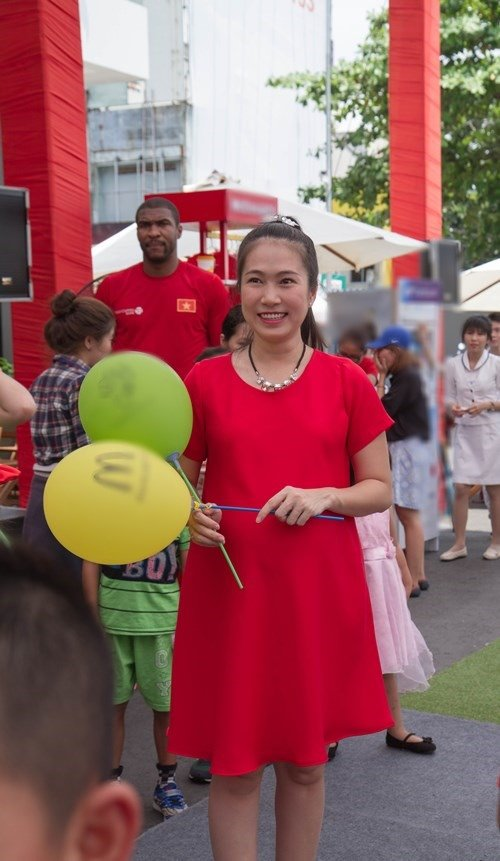 MC Thanh Thảo bầu 8 tháng vẫn chăm đi sự kiện - 4