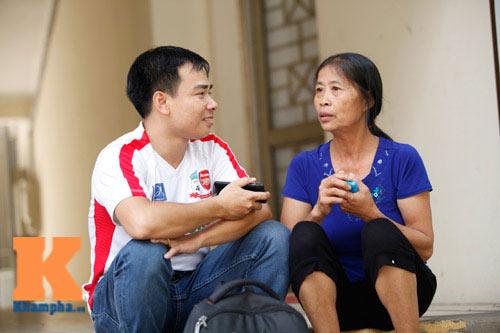 Mẹ Công Phượng trút bầu tâm sự về thủ lĩnh U19 VN  (Kỳ 2) - 1