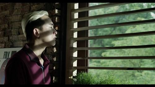 """Sơn Tùng trào nước mắt trong trailer """"Chàng trai năm ấy"""" - 12"""