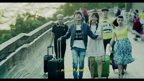 """Sơn Tùng trào nước mắt trong trailer """"Chàng trai năm ấy"""" - 4"""