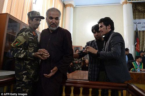 """Afghanistan: Tử hình 7 """"cảnh sát"""" hiếp dâm tập thể - 2"""