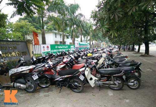 Xếp hàng từ 2 giờ sáng để mua vé xem U19 Việt Nam - 7
