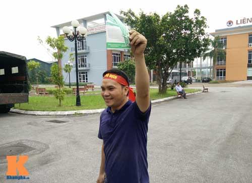Xếp hàng từ 2 giờ sáng để mua vé xem U19 Việt Nam - 8