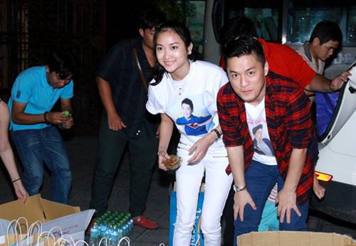 """Lam Trường và vợ sắp cưới """"như hình với bóng"""" - 2"""