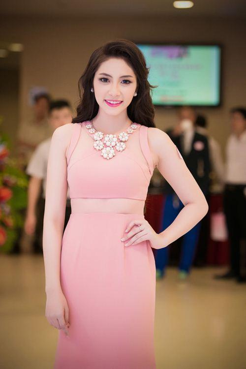 """Những Hoa hậu Việt không ngại """"xấu"""" trên phim - 9"""