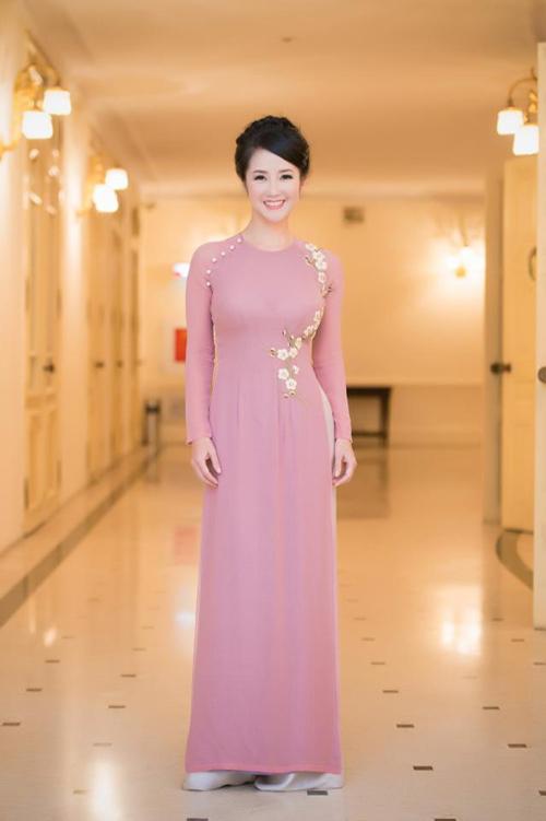 Mai Phương Thúy, Thủy Tiên cạnh tranh ngôi mặc đẹp - 8