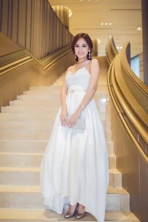 Mai Phương Thúy, Thủy Tiên cạnh tranh ngôi mặc đẹp - 5