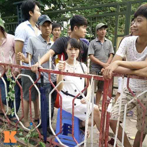 Xếp hàng từ 2 giờ sáng để mua vé xem U19 Việt Nam - 2