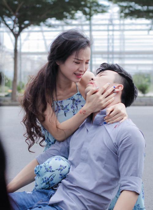 """Phương Trinh Jolie """"điên vì tình"""" trong MV mới - 3"""