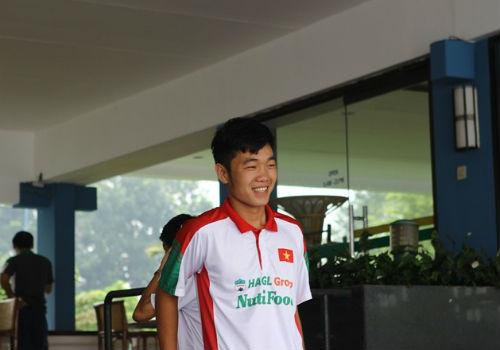 Bầu Đức tới khách sạn họp kín cùng U19 Việt Nam - 4