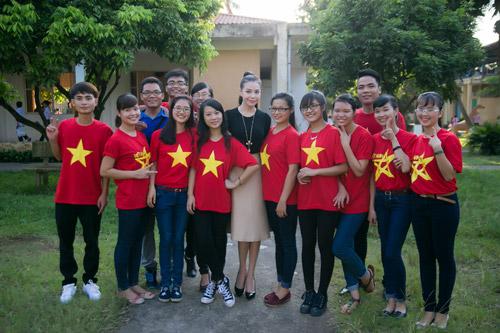 Trà Hằng xuyên Việt mang Trung thu đến người nghèo, trẻ bất hạnh - 5
