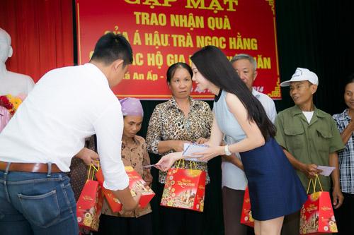 Trà Hằng xuyên Việt mang Trung thu đến người nghèo, trẻ bất hạnh - 12