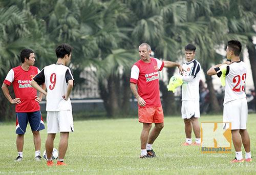 Bầu Đức không chỉ đạo chuyên môn U19 Việt Nam - 2
