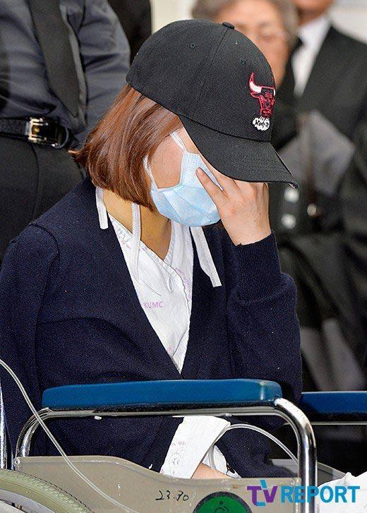 Đám tang đẫm nước mắt của nữ ca sỹ Hàn 23 tuổi - 2