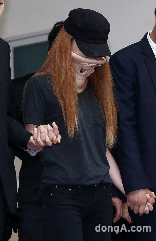 Đám tang đẫm nước mắt của nữ ca sỹ Hàn 23 tuổi - 3