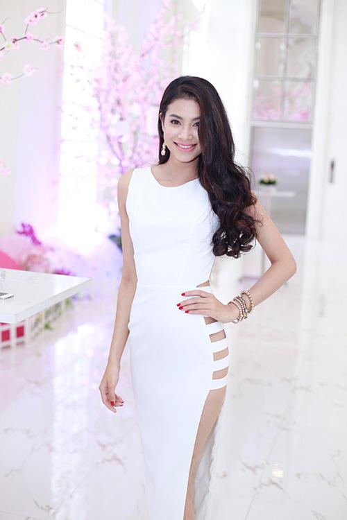 """Mỹ nhân Việt gợi cảm dự lễ ra mắt """"lò luyện hoa hậu"""" - 2"""
