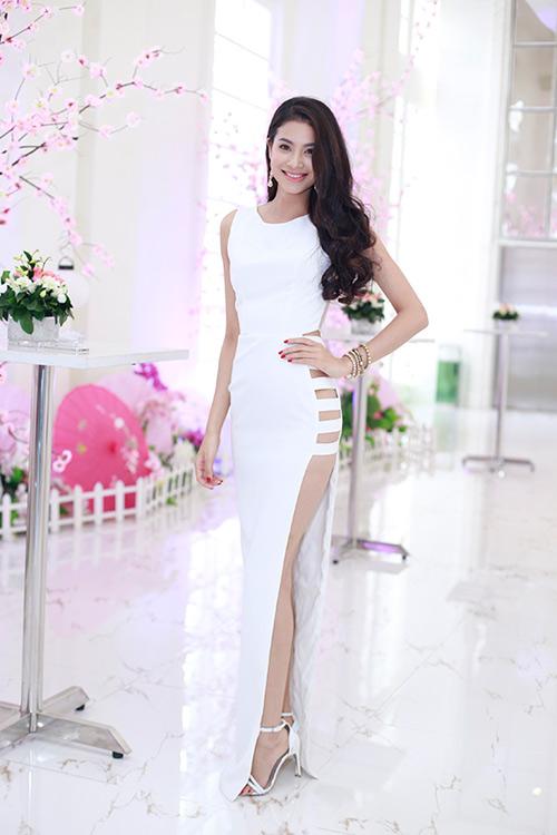 """Mỹ nhân Việt gợi cảm dự lễ ra mắt """"lò luyện hoa hậu"""" - 3"""