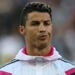 Bóng đá - Bồ cưng nhắc khéo Ronaldo đừng về MU