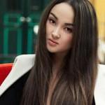 Thời trang - Cô gái Nga mê đi xích lô ngắm phố thu Hà Nội